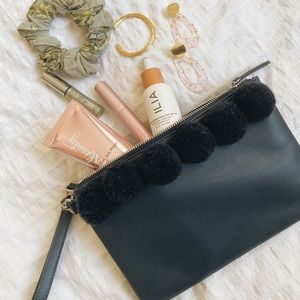 3/$25 French Connection leather style Poppy Clutch